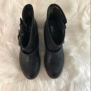 Shi by JOURNEYS Shoes - Shi JoJo Ankle Booties Black